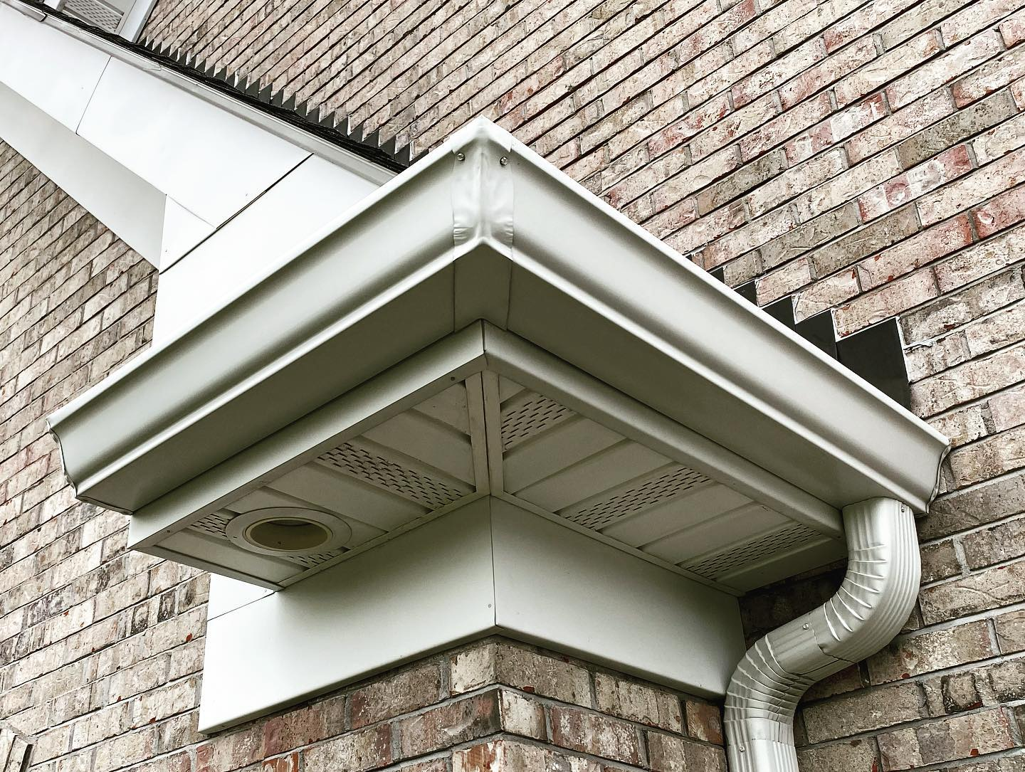 gutter cleaning service gutters cleaned ofallon o'fallon wentzville st peters st. peters mo missouri